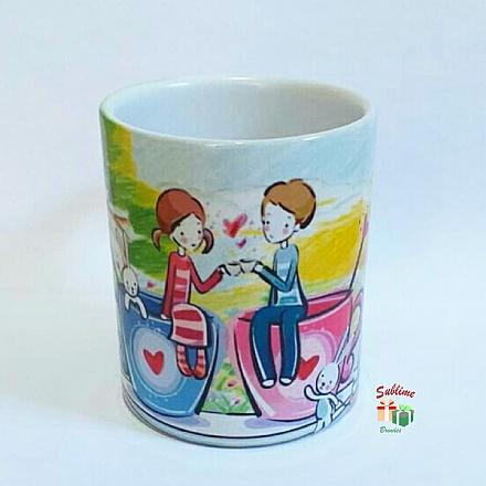 Caneca de cerâmica casal na xícara