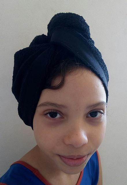 Touca toalha para secar cabelo.