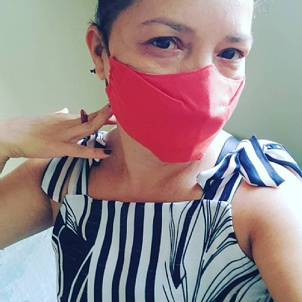 Máscaras com renda.