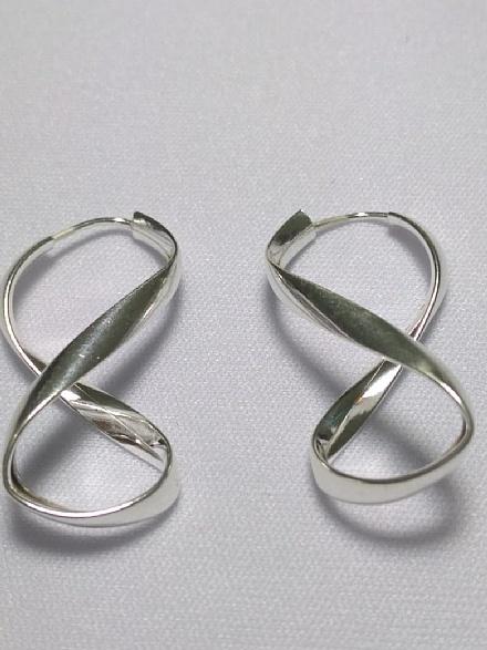 brinco feminino argola infinito em prata