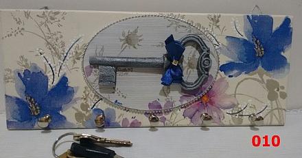 porta chaves com 4 pinos