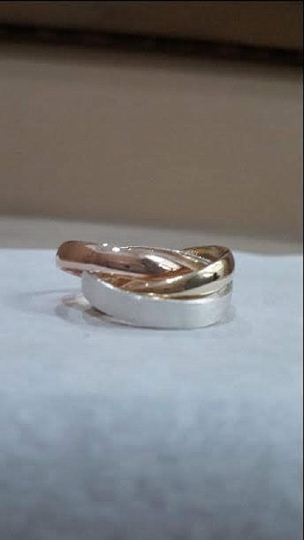 Anel Trinity em prata banhada a ouro